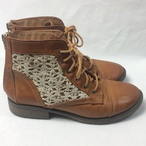 Steve Madden brown lace ankle boots size 5